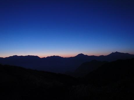 2015北方稜線kei (258)赤谷山での黎明_後立山連峰